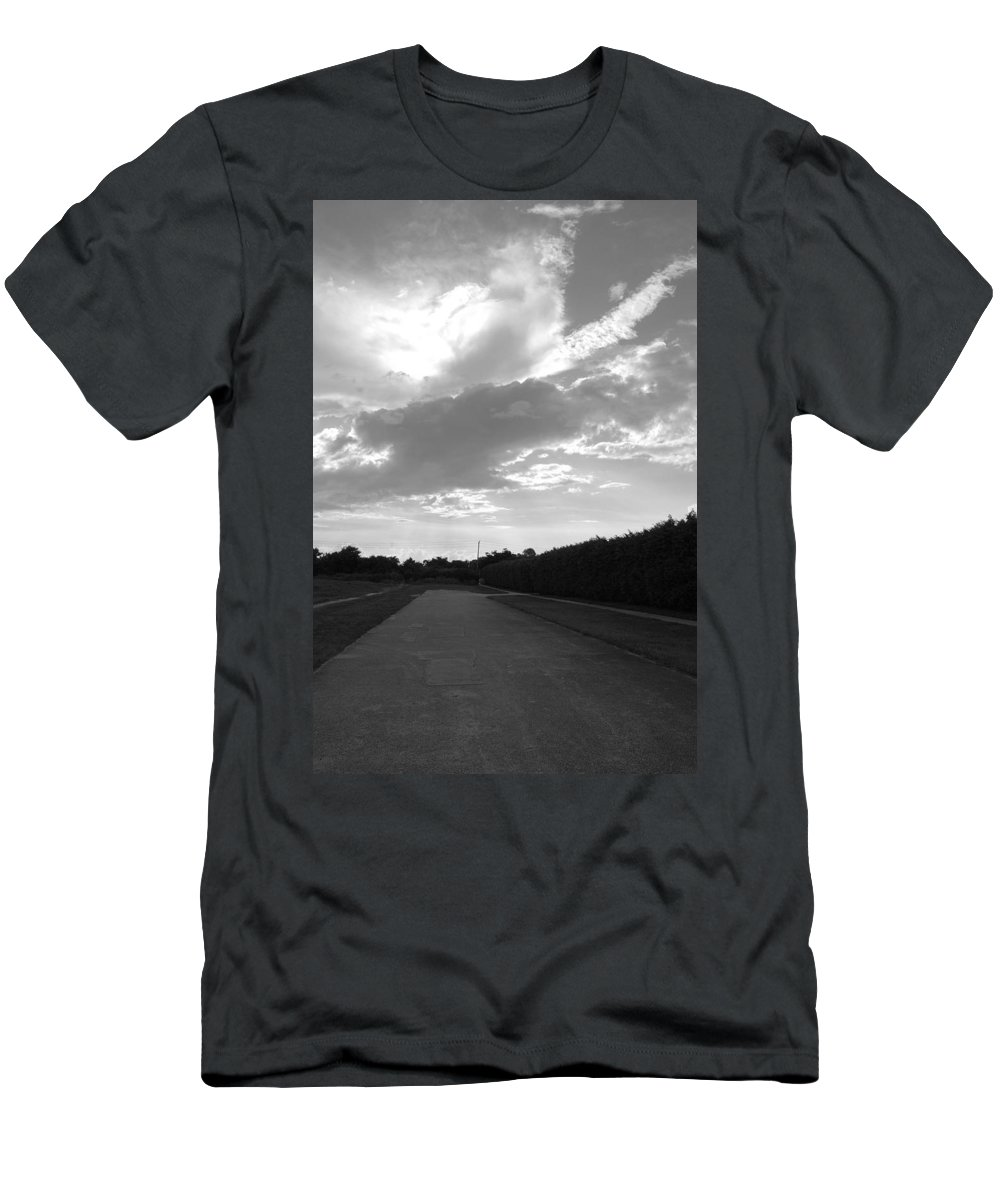 Black And White Men's T-Shirt (Athletic Fit) featuring the photograph Homestead Sky by Rob Hans