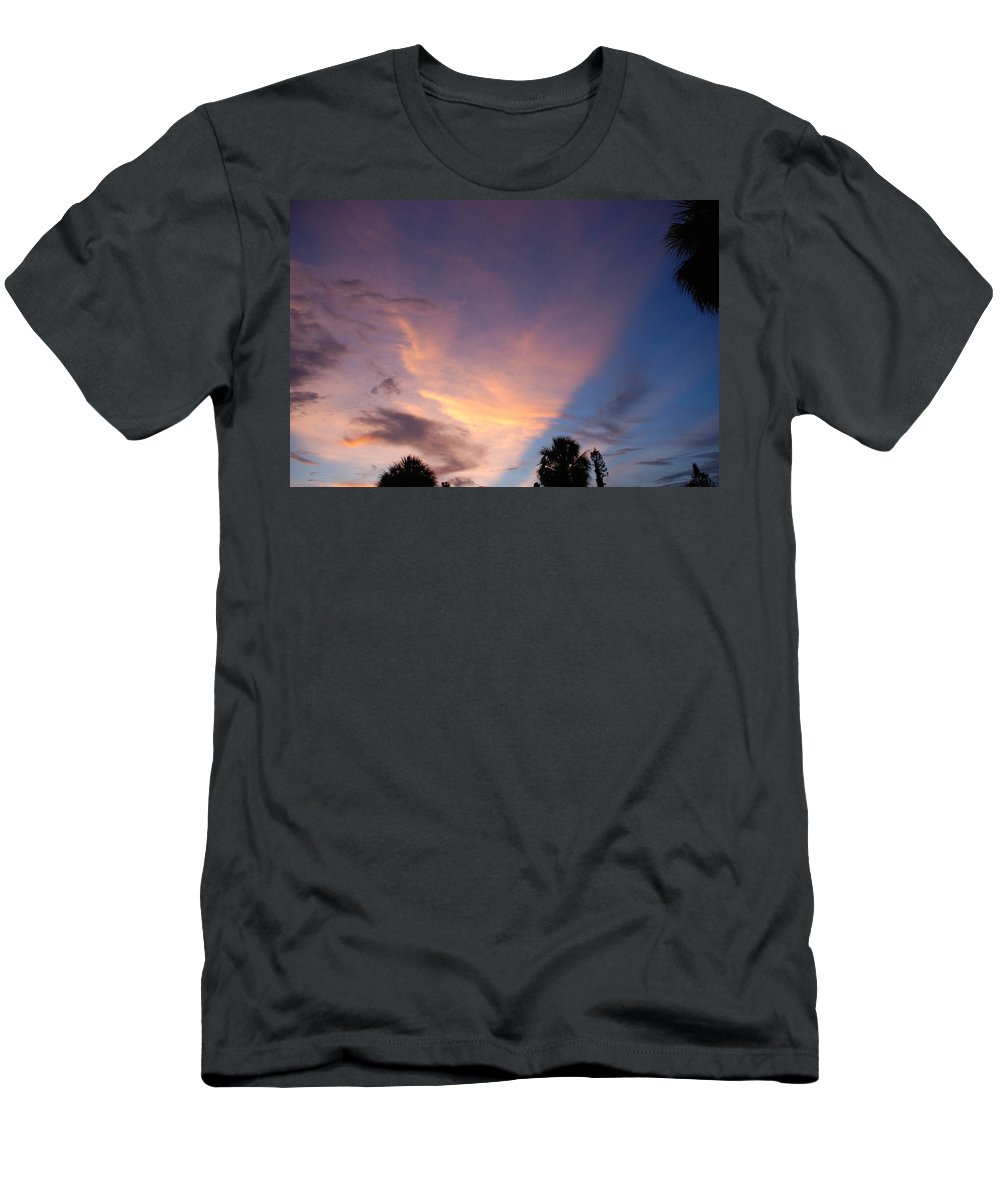 Sunset Men's T-Shirt (Athletic Fit) featuring the photograph Sunset At Pine Tree by Rob Hans
