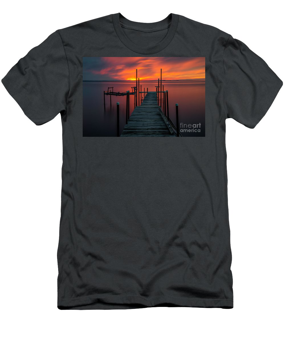 Sunset Men's T-Shirt (Athletic Fit) featuring the photograph Sunset On The Bay by Randy Kostichka