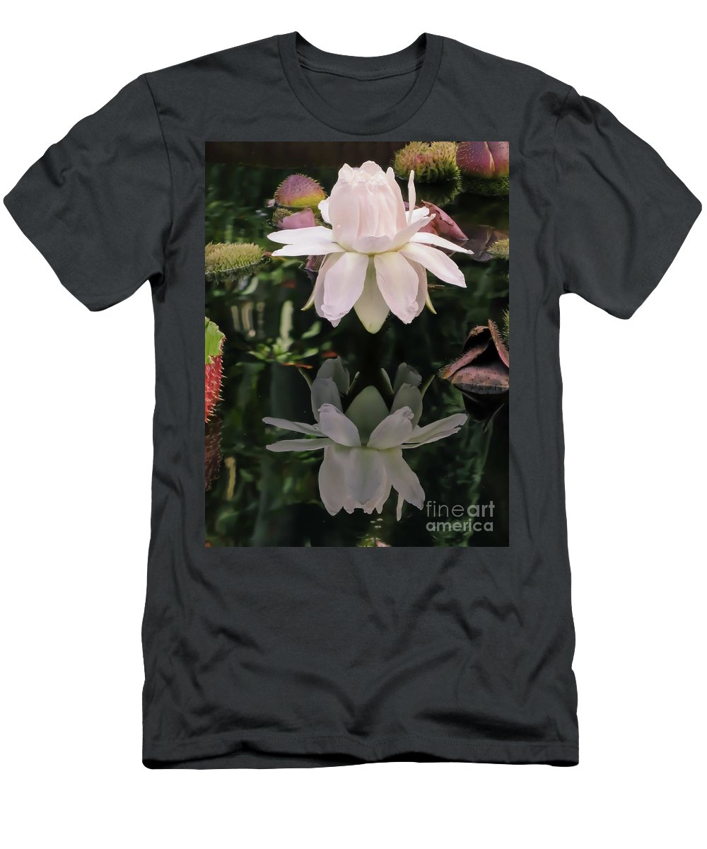 Flower Men's T-Shirt (Athletic Fit) featuring the photograph Victoria Cruziana by Zina Stromberg