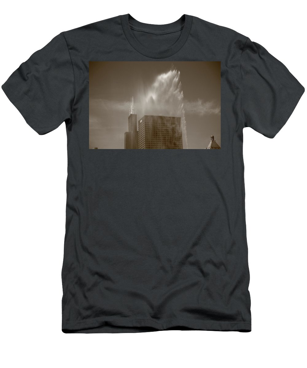 America Men's T-Shirt (Athletic Fit) featuring the photograph Chicago - Buckingham Fountain by Frank Romeo