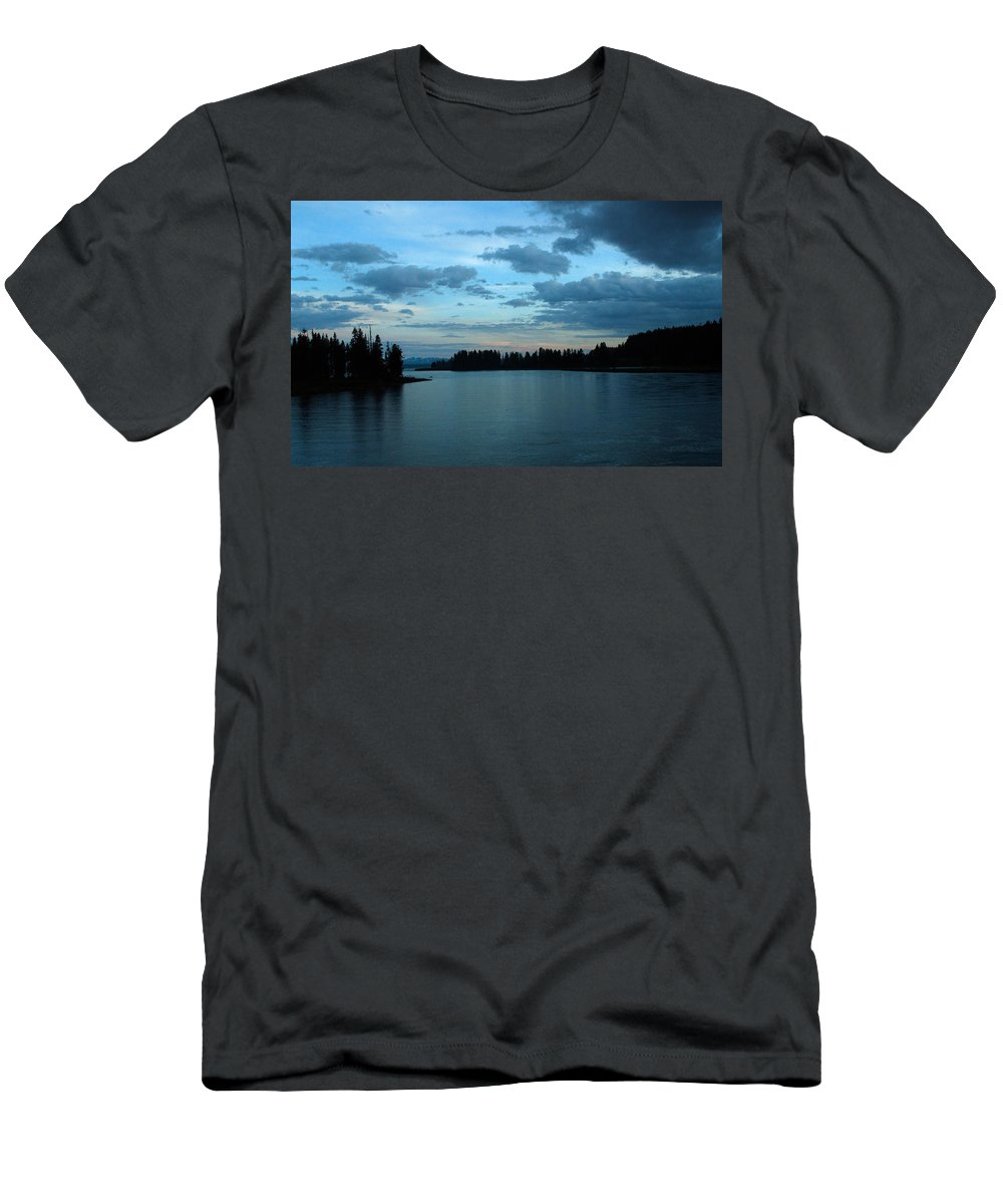 Clouds Men's T-Shirt (Athletic Fit) featuring the photograph Getting Dark by Linda Kerkau