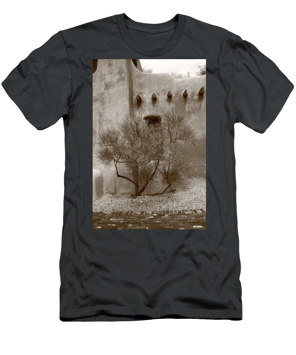 Adobe Men's T-Shirt (Athletic Fit) featuring the photograph Santa Fe - Adobe Building And Tree by Frank Romeo