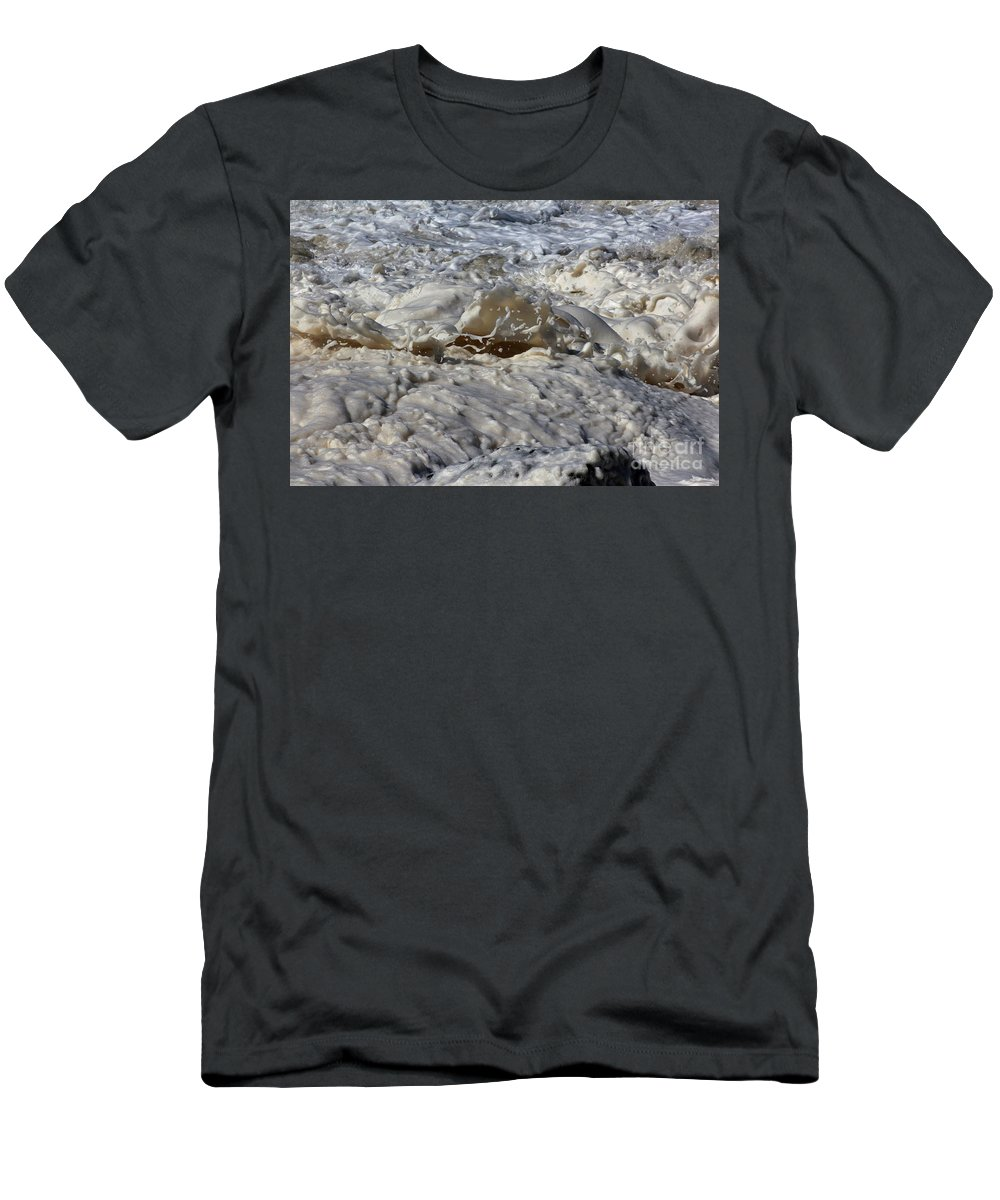 Momentary Water Sculptures Men's T-Shirt (Athletic Fit) featuring the photograph Splash Of A Momenary Water Sculpture by Wernher Krutein