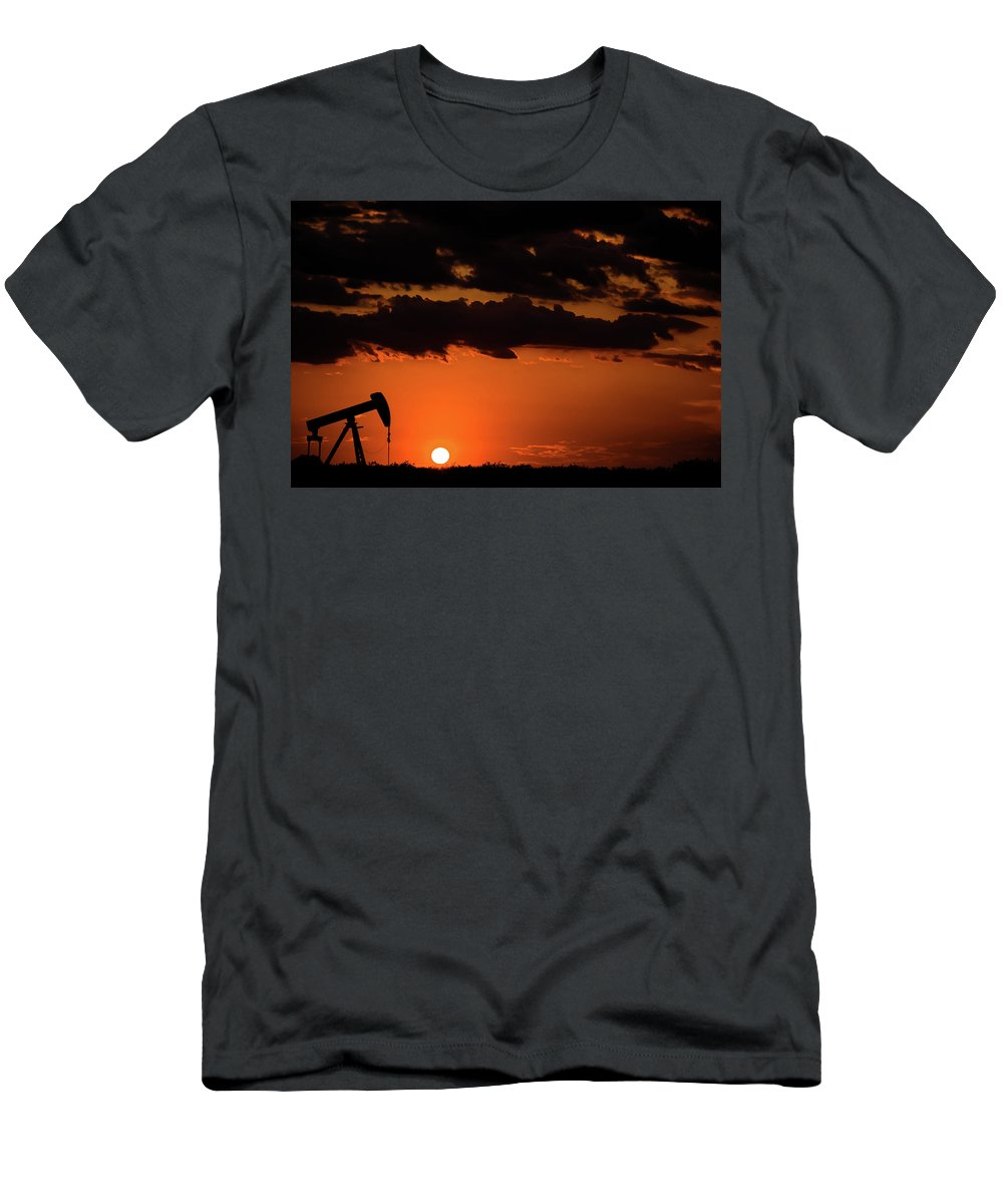 Drillers Club Men's T-Shirt (Athletic Fit) featuring the photograph 2017_08_midkiff Tx_ Sunset Pump Jack 3 by Brian Farmer