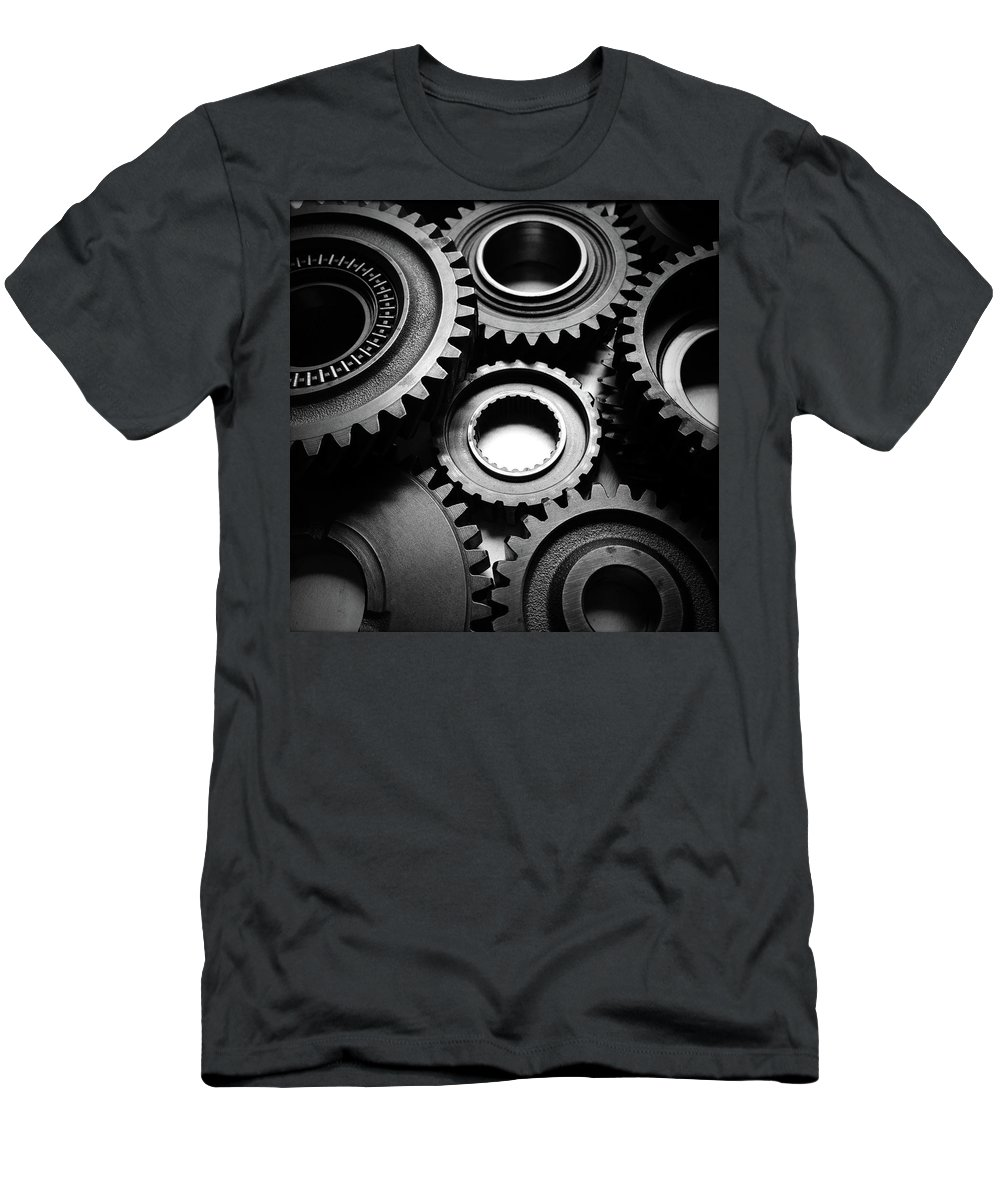 Binding Men's T-Shirt (Athletic Fit) featuring the photograph Cogs No10 by Les Cunliffe