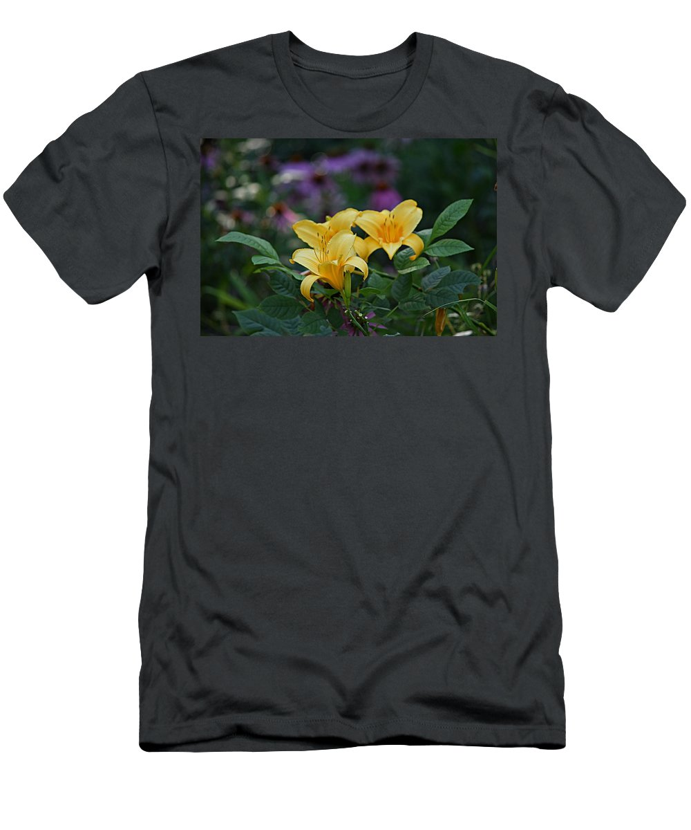 Flowers Men's T-Shirt (Athletic Fit) featuring the photograph 3 Against Many by Kurt Keller
