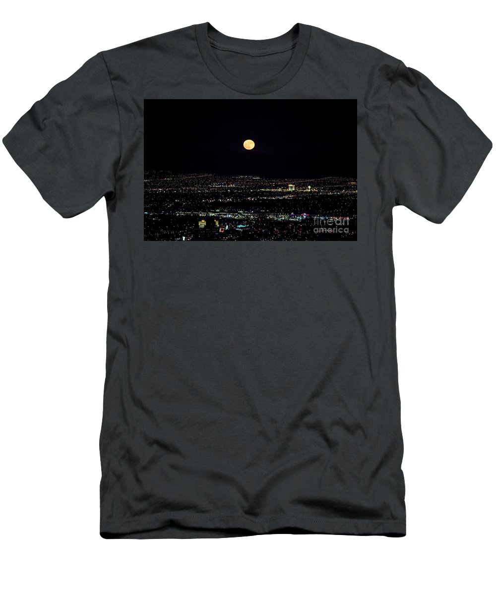 Las Vegas Men's T-Shirt (Athletic Fit) featuring the photograph Super Moon In Las Vegas by Sv