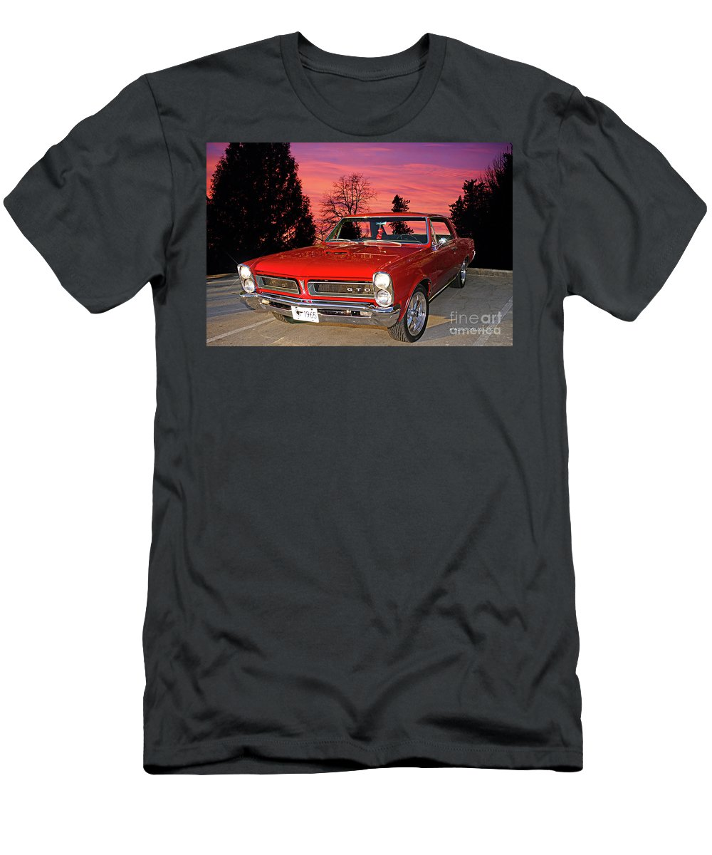 Cars Men's T-Shirt (Athletic Fit) featuring the photograph 65 Gto by Randy Harris