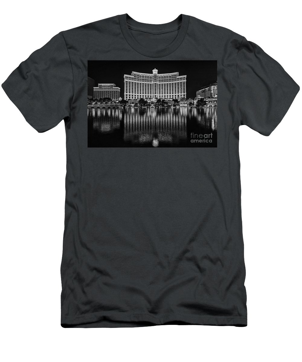 Bellagio Men's T-Shirt (Athletic Fit) featuring the photograph Bellagio Hotel And Casino At Night by Jamie Pham
