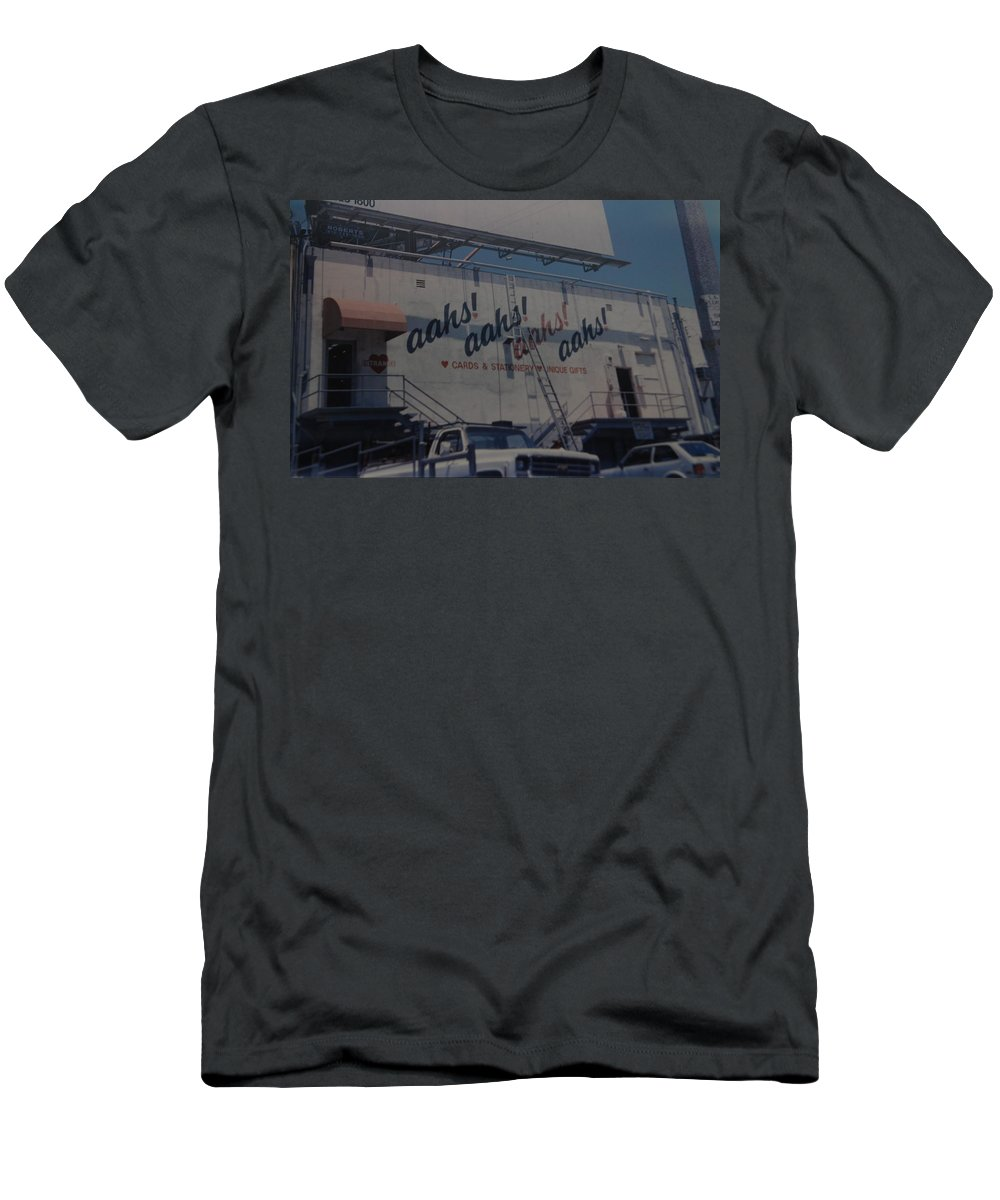 Architecture T-Shirt featuring the photograph Aahs by Rob Hans