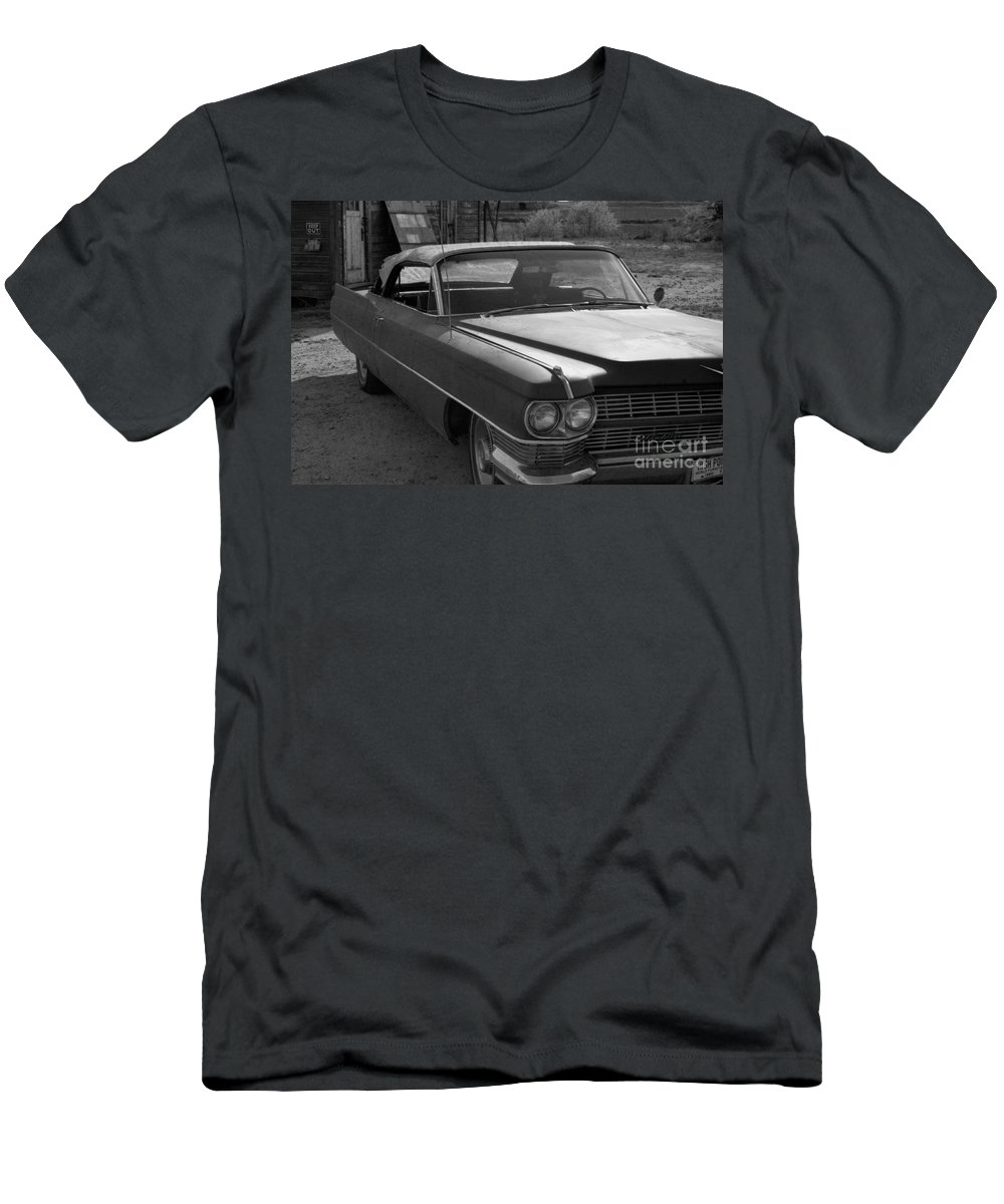 Cadillac Men's T-Shirt (Athletic Fit) featuring the photograph Abandoned Classic by Richard Rizzo