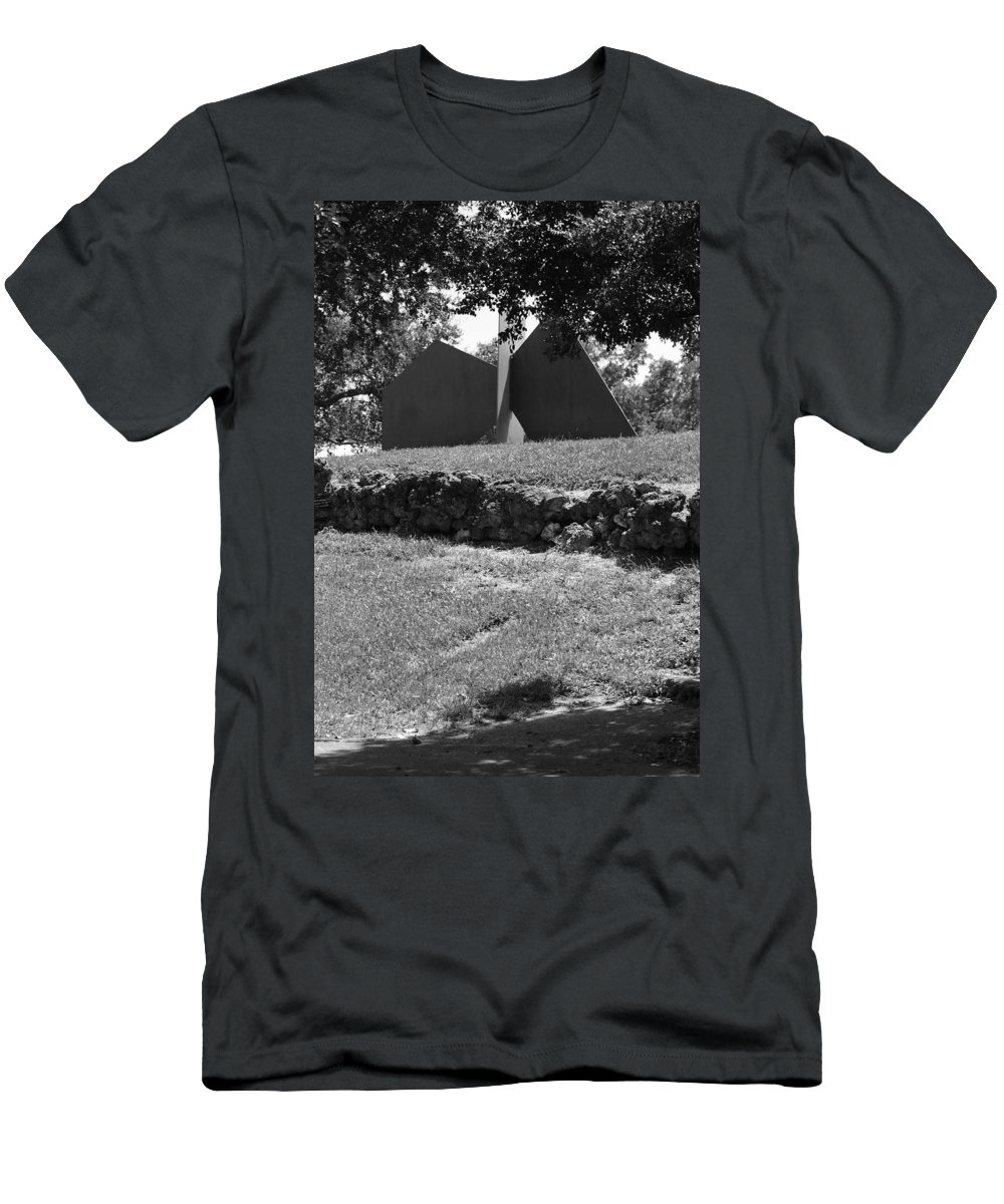 Black And White Men's T-Shirt (Athletic Fit) featuring the photograph Abstract Sculpture by Rob Hans
