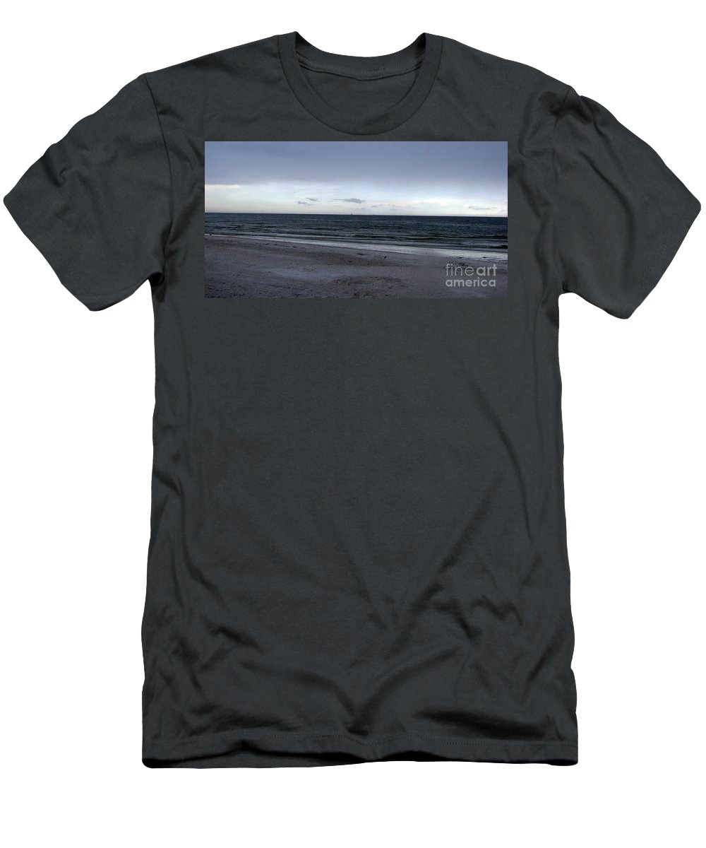 St Petersburg Florida Men's T-Shirt (Athletic Fit) featuring the photograph Almost Sunset by Amanda Barcon
