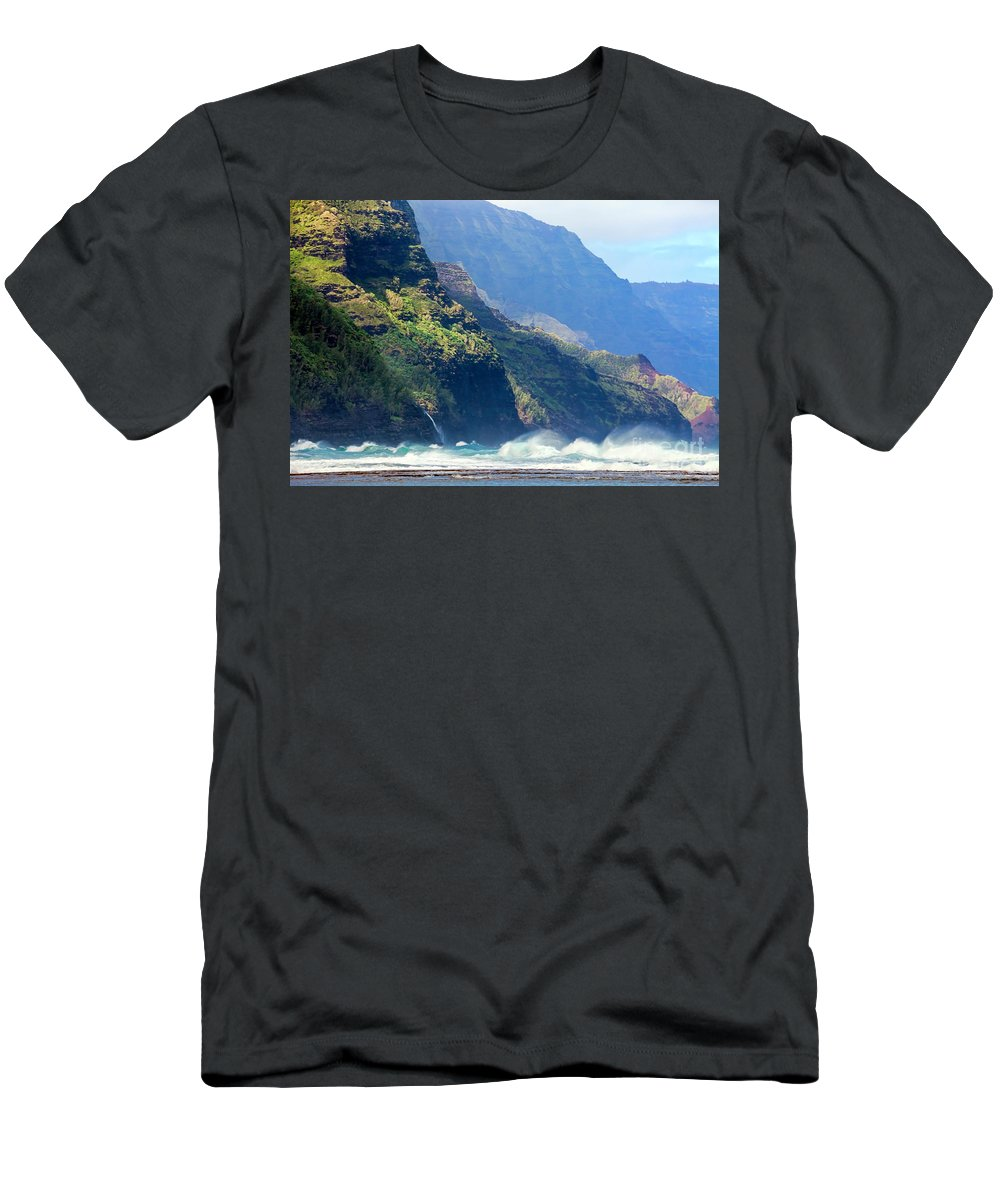 Daryl L. Hunter Men's T-Shirt (Athletic Fit) featuring the photograph Angry Sea, Na Pali Coast by Daryl L Hunter