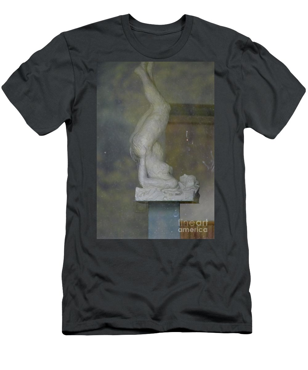Art Men's T-Shirt (Athletic Fit) featuring the photograph Lady by Photos By Zulma