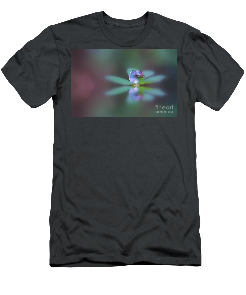 Doplets Men's T-Shirt (Athletic Fit) featuring the photograph Autumn Clover Droplet by Kym Clarke
