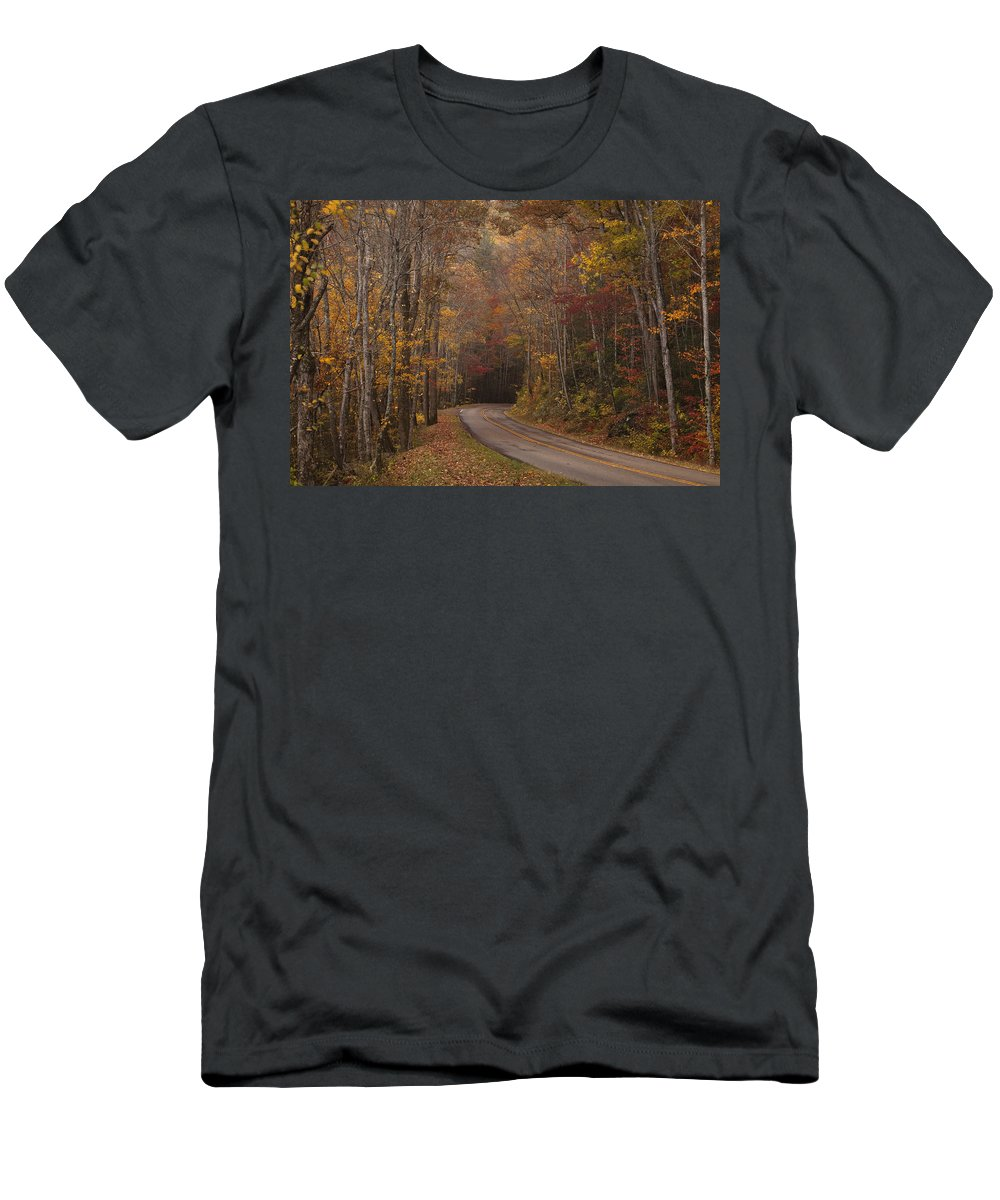 Smoky Men's T-Shirt (Athletic Fit) featuring the photograph Autumn Drive by Andrew Soundarajan