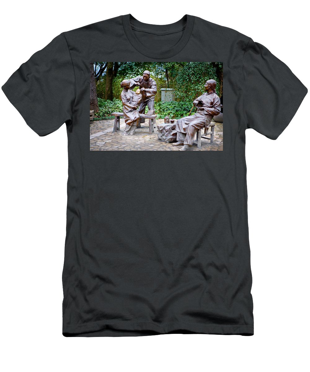 Park Men's T-Shirt (Athletic Fit) featuring the photograph Barber Statue by James O Thompson