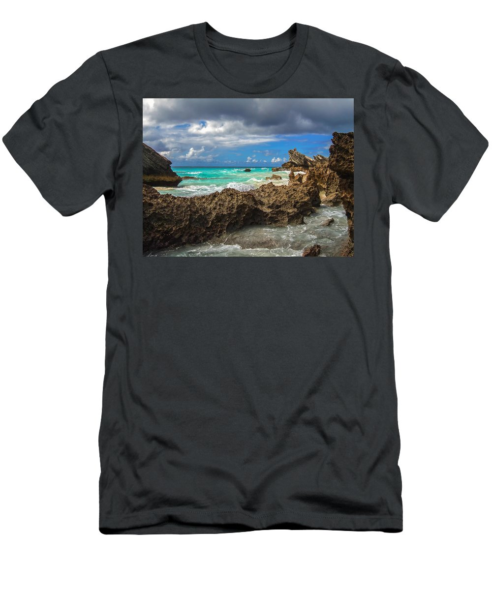 Atlantic Men's T-Shirt (Athletic Fit) featuring the photograph Beautiful Bermuda by Lori Coleman