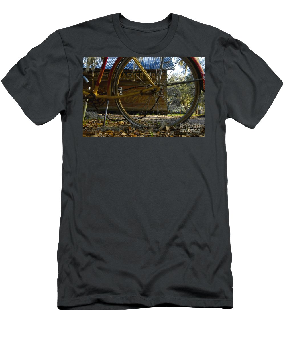 Bicycle Men's T-Shirt (Athletic Fit) featuring the photograph Bicycle At Micanopy by David Lee Thompson