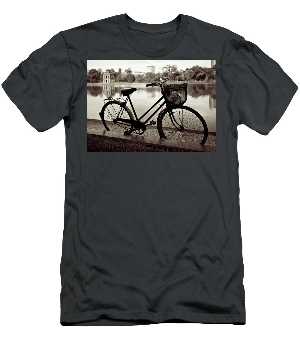 Bicycle Men's T-Shirt (Athletic Fit) featuring the photograph Bicycle By The Lake by Dave Bowman
