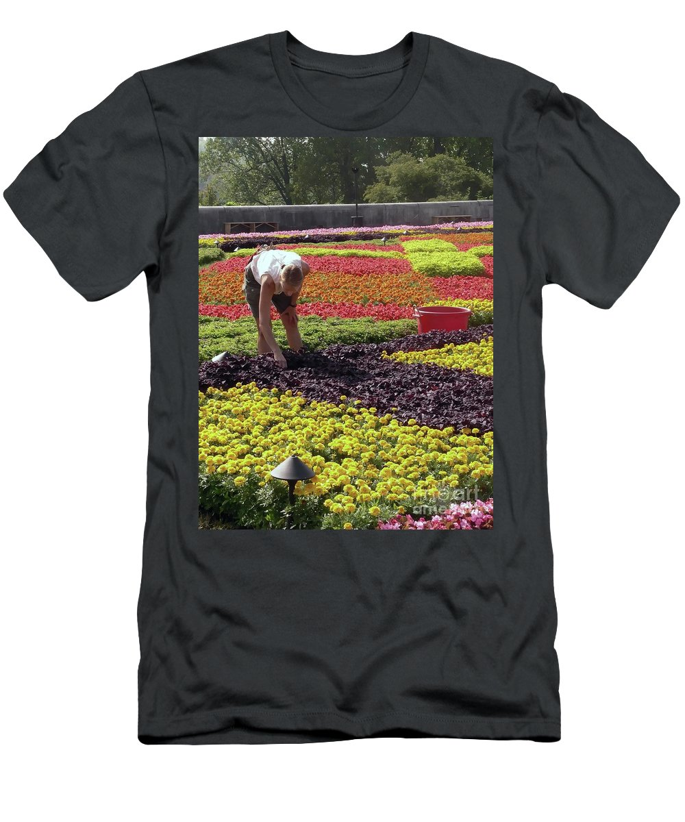 Biltmore Estate Men's T-Shirt (Athletic Fit) featuring the photograph Biltmore Gardener by David Bearden