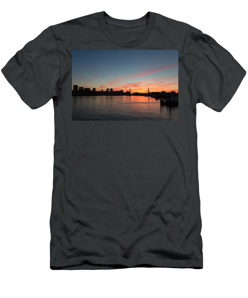 Massachusetts Men's T-Shirt (Athletic Fit) featuring the photograph Boston Sunset by Dave Files