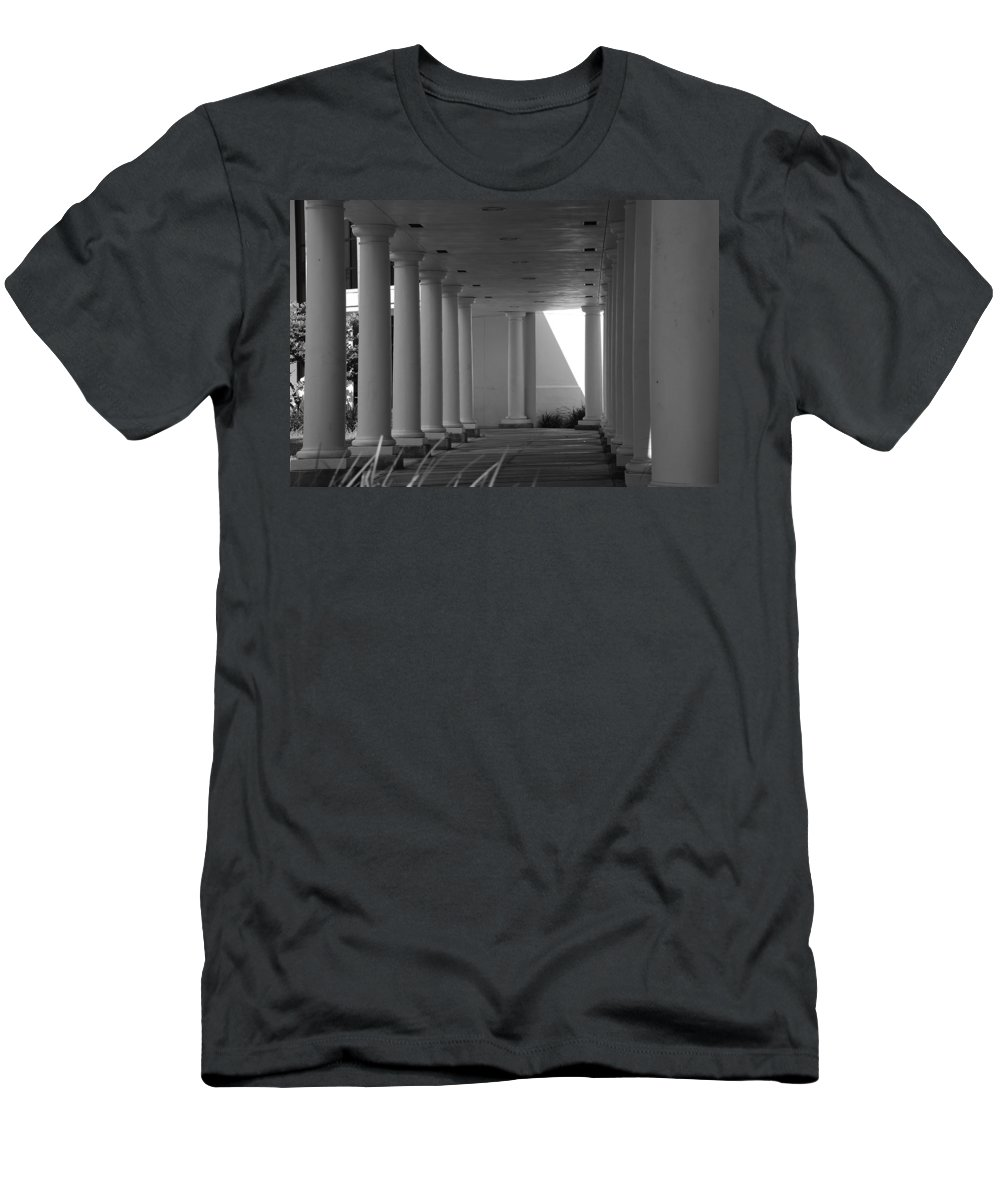 Black And White Men's T-Shirt (Athletic Fit) featuring the photograph Breezeway by Rob Hans