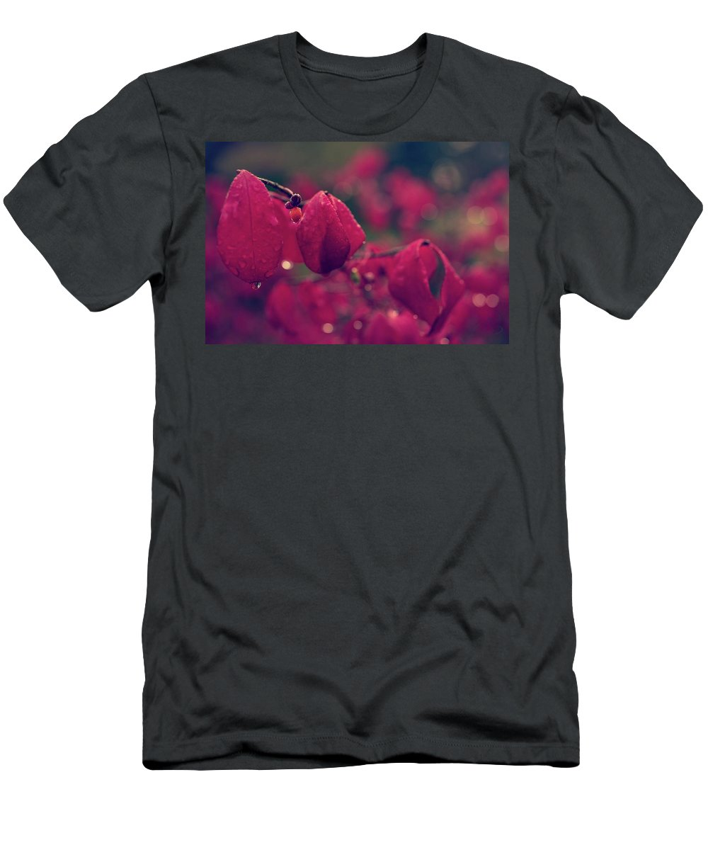 Flower Men's T-Shirt (Athletic Fit) featuring the photograph Burning Red by Gene Garnace