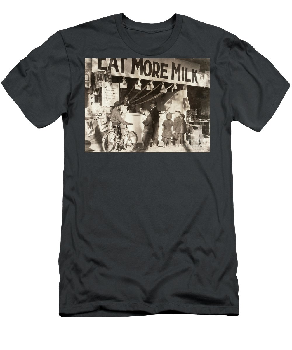 1921 Men's T-Shirt (Athletic Fit) featuring the photograph Charleston: State Fair by Granger