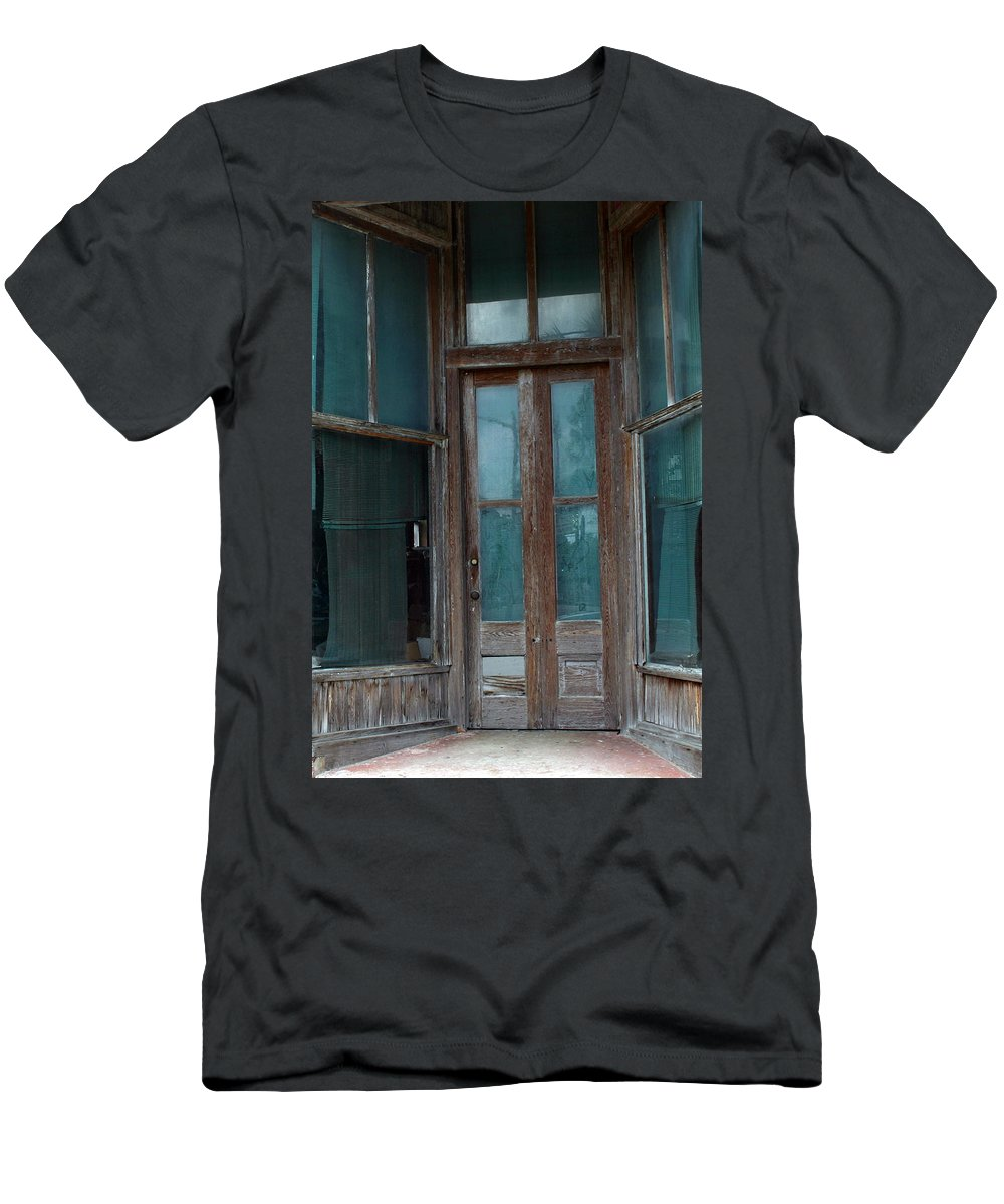 Old Buldings Men's T-Shirt (Athletic Fit) featuring the photograph Closed Forever by Bob Johnson