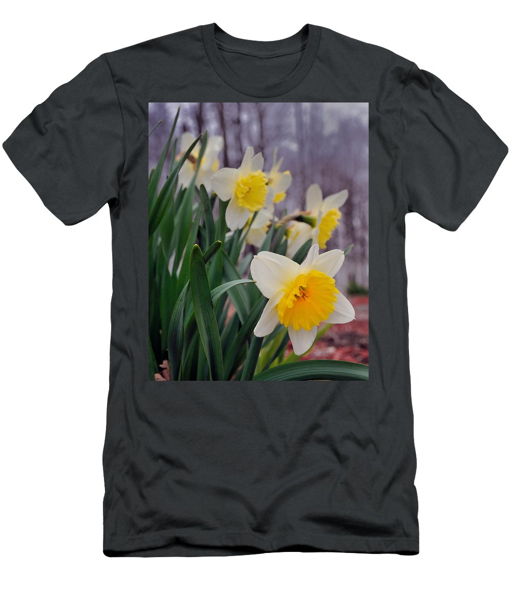 Flowers Men's T-Shirt (Athletic Fit) featuring the photograph Daffodils by David Arment