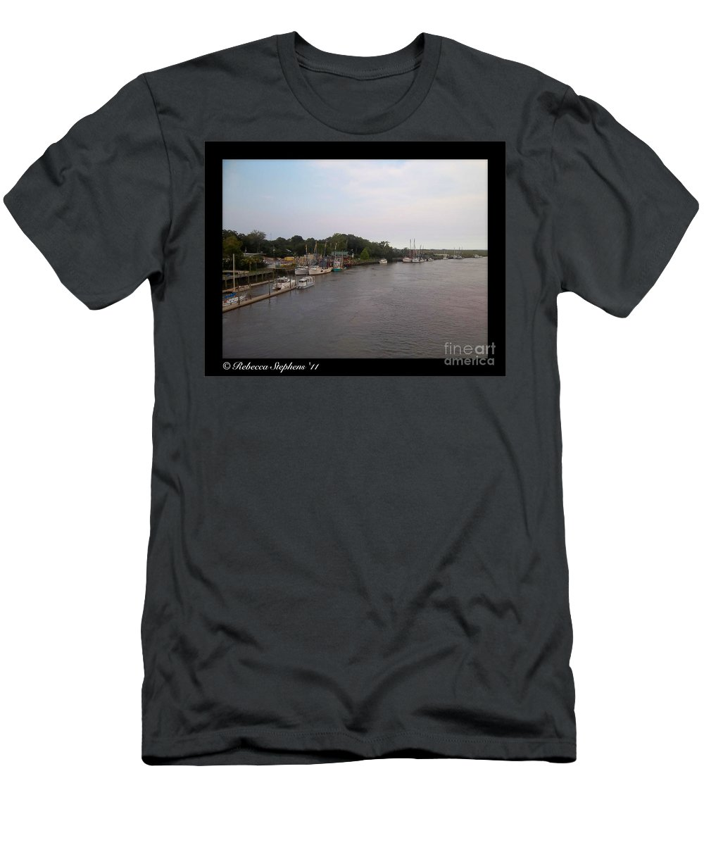 Marina Men's T-Shirt (Athletic Fit) featuring the photograph Darien Harbor by Rebecca Stephens