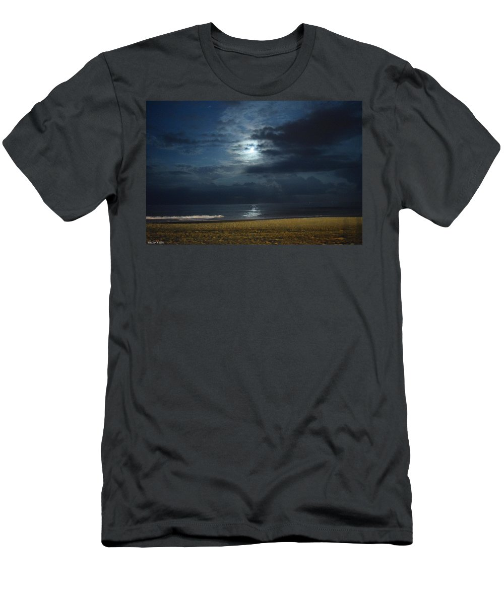 Beach Men's T-Shirt (Athletic Fit) featuring the photograph Day And Night by WiLLiam Kearney