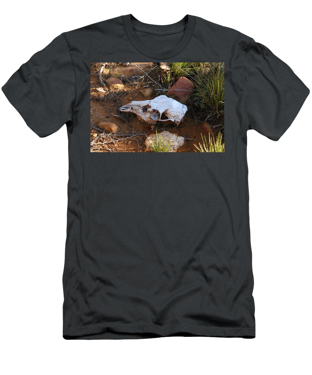 Skull Men's T-Shirt (Athletic Fit) featuring the photograph Deer Spirit Mesa by David Lee Thompson