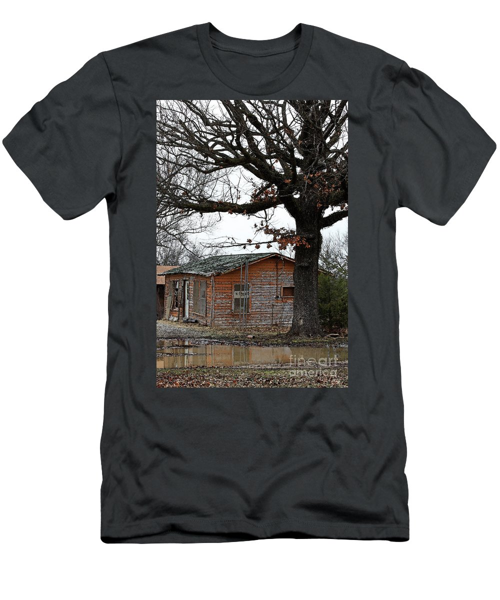 Hope Men's T-Shirt (Athletic Fit) featuring the photograph Derelict In Hope by PJ Boylan