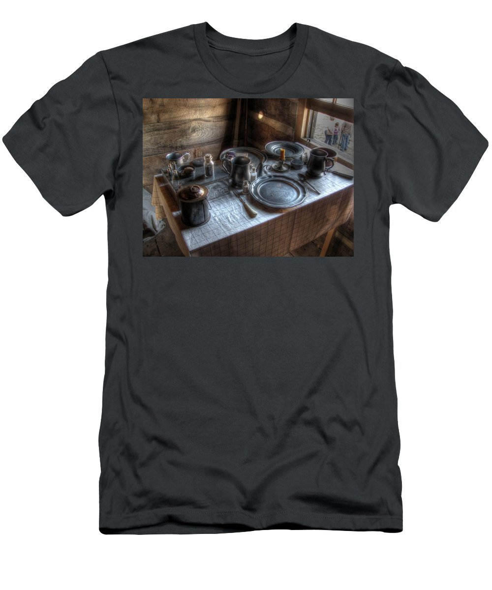 Dinner Men's T-Shirt (Athletic Fit) featuring the photograph Dinner Is Served by Jane Linders