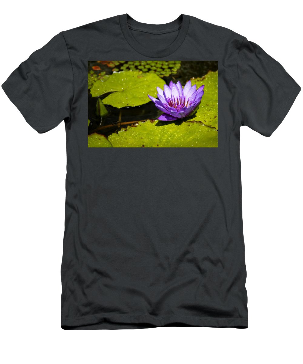 Water Men's T-Shirt (Athletic Fit) featuring the photograph Droplets by Teresa Mucha