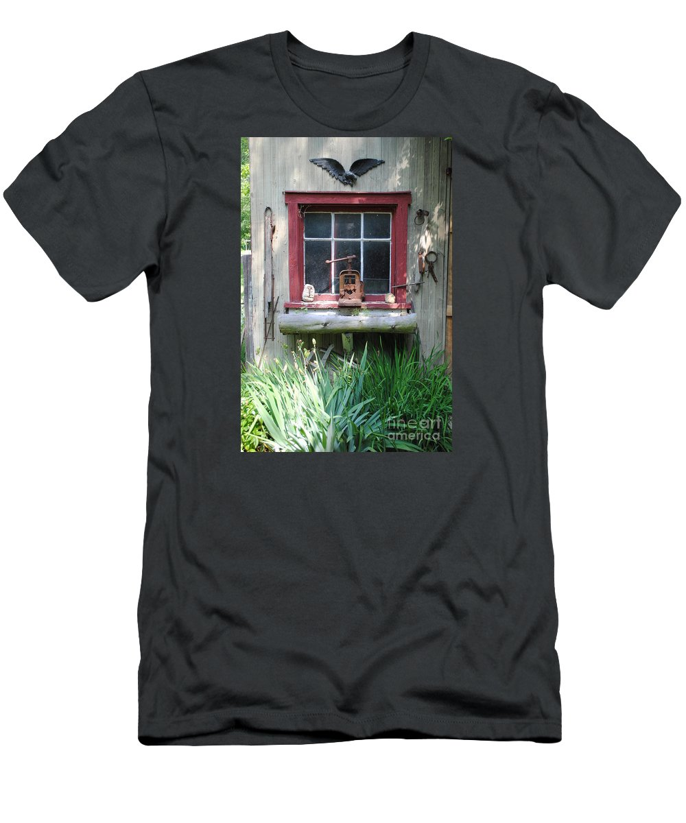 Eagle Men's T-Shirt (Athletic Fit) featuring the photograph Eagle Window by Jost Houk