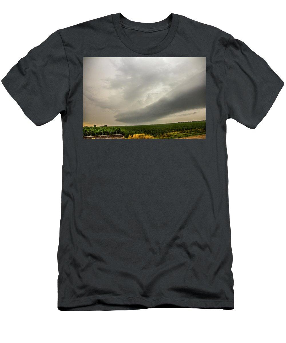 Nebraskasc Men's T-Shirt (Athletic Fit) featuring the photograph Early Morning Nebraska Storm Chasing 014 by NebraskaSC