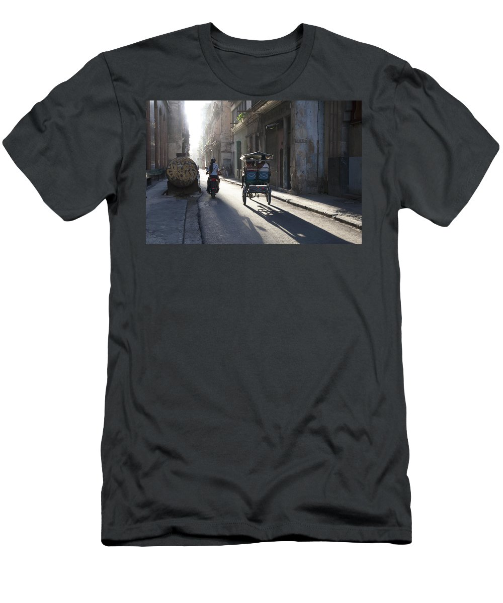 Havana Men's T-Shirt (Athletic Fit) featuring the photograph Early Morning Rush by Rik Katz