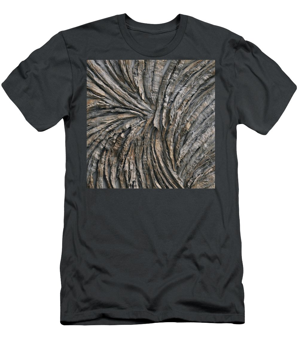 Bark Men's T-Shirt (Athletic Fit) featuring the photograph Engage by Susie Frazier