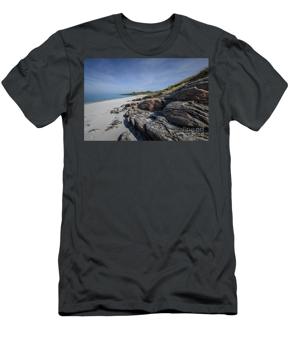 Eriskay Men's T-Shirt (Athletic Fit) featuring the photograph Eriskay Beach by Smart Aviation