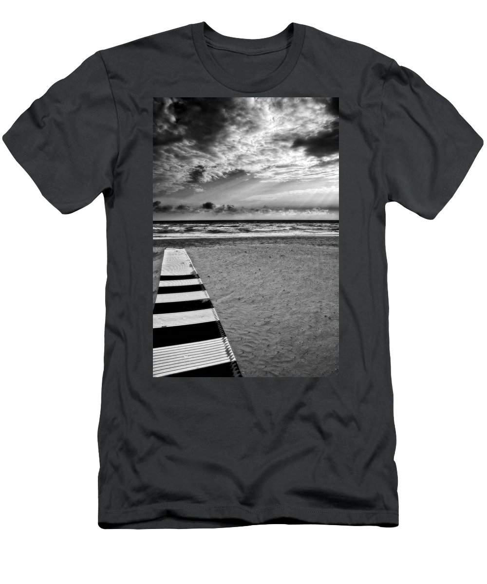 Landscape Men's T-Shirt (Athletic Fit) featuring the photograph Evening Tide by Silvia Ganora