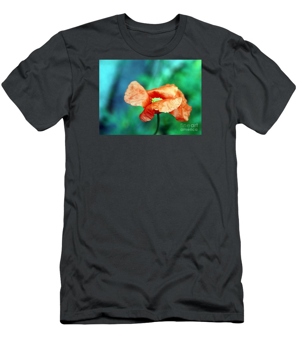 Poppy Men's T-Shirt (Athletic Fit) featuring the photograph Face Of Love by Vix Edwards