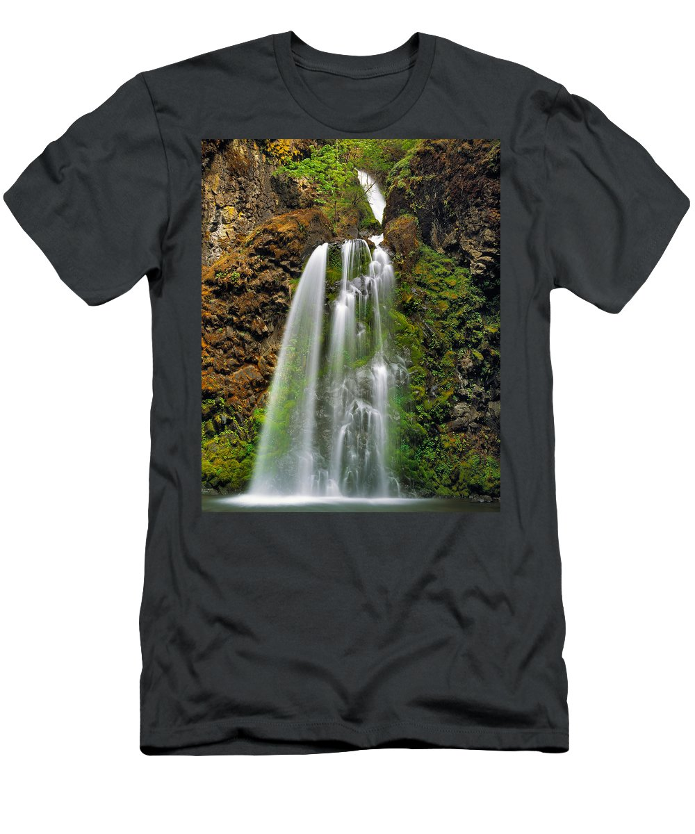 Oregon Men's T-Shirt (Athletic Fit) featuring the photograph Fall Creek Falls by Leland D Howard
