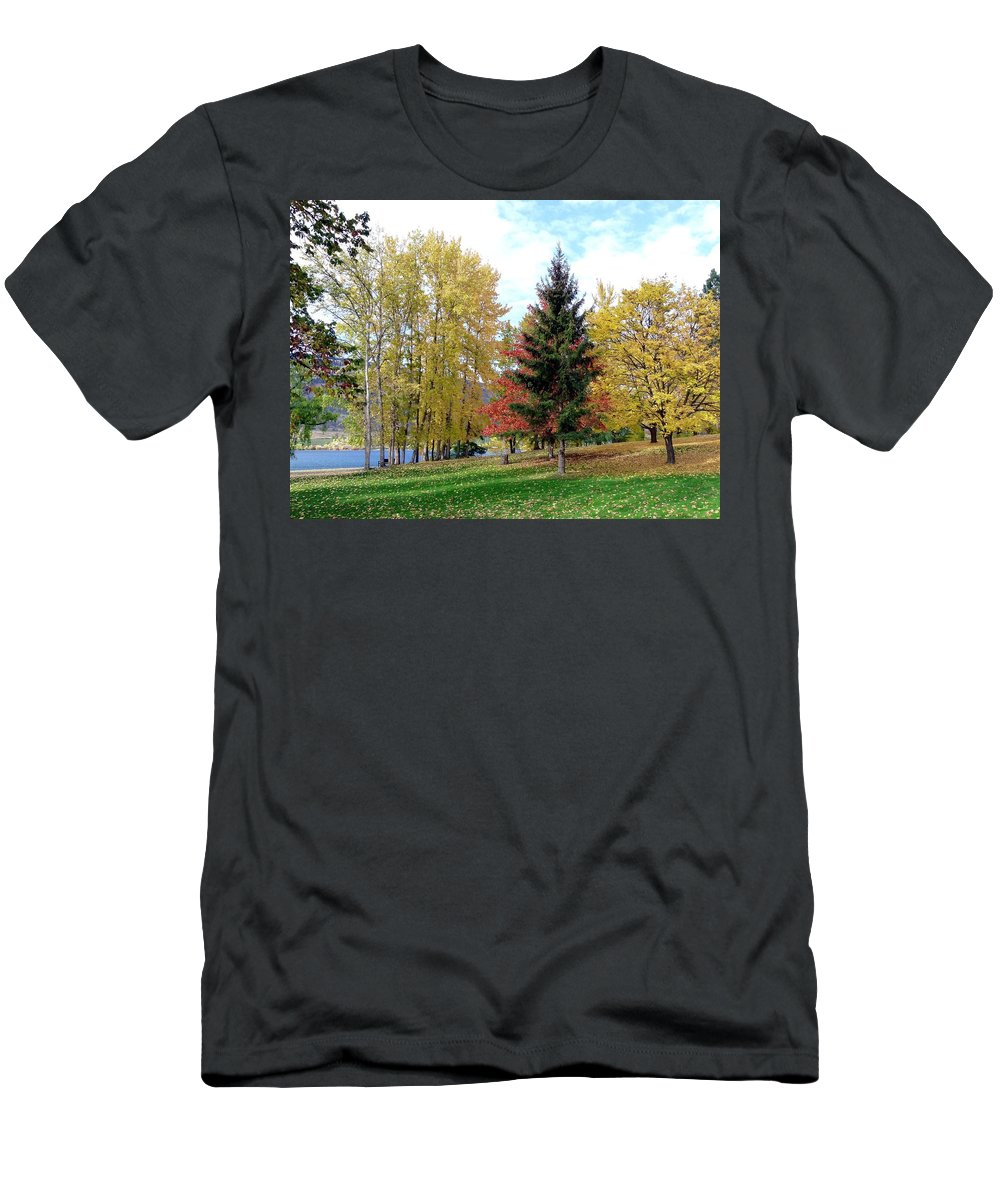 Kaloya Park Men's T-Shirt (Athletic Fit) featuring the photograph Fall In Kaloya Park 1 by Will Borden