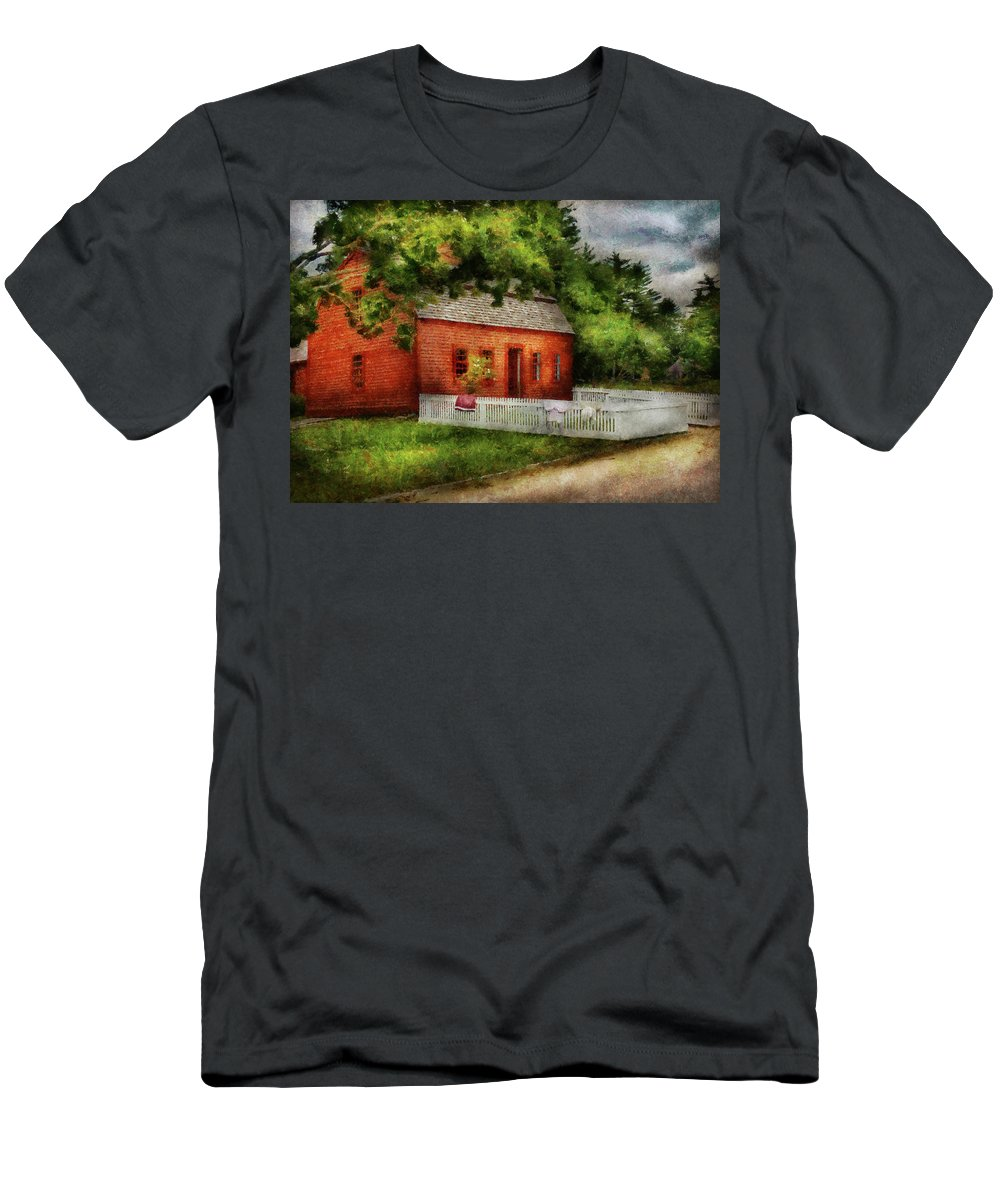 Suburbanscenes Men's T-Shirt (Athletic Fit) featuring the photograph Farm - Barn - A Small Farm House by Mike Savad