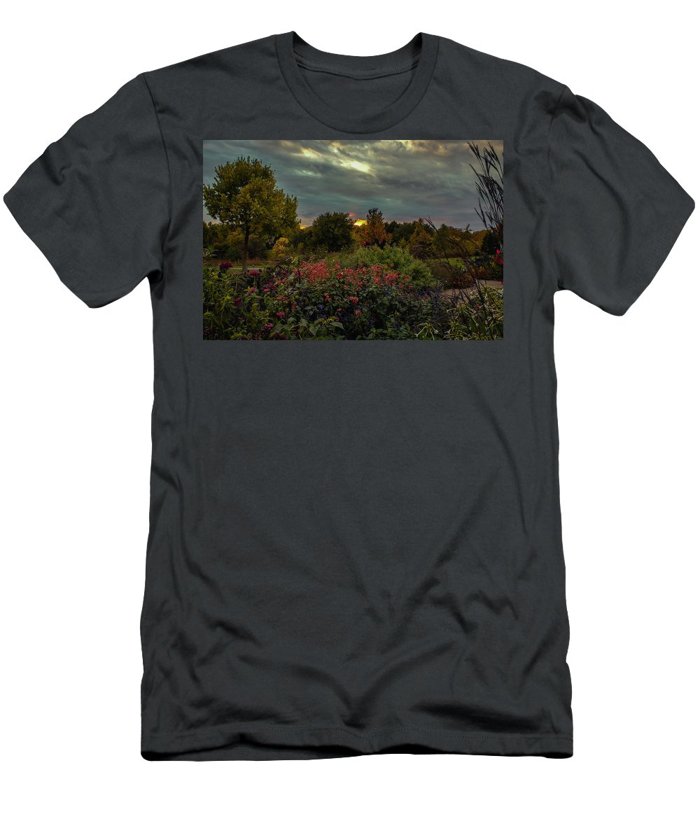 Landscape Men's T-Shirt (Athletic Fit) featuring the photograph Garden Sunset by Kevin Argue